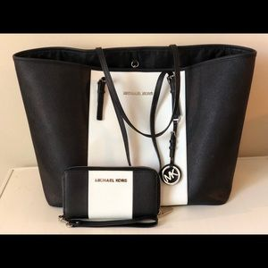 Michael Kors watching Purse and Wallet